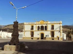 Fuente modernista y Casa Fernando Hita en Fuente Victoria
