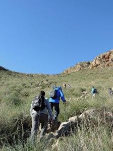 Subiendo al borde del cráter